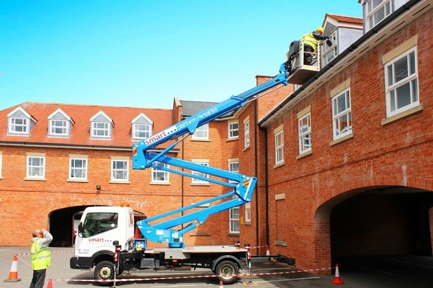 Z17 Cherry Picker hire