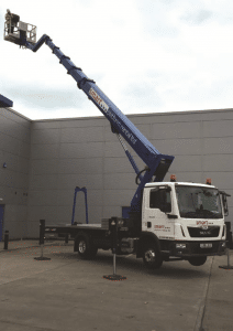S33 truck mounted cherry picker hire