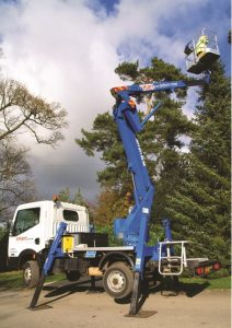 Z14 truck mounted cherry picker hire